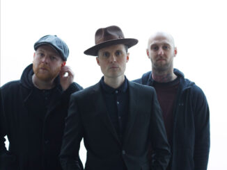 THE FRATELLIS release new single 'Half Drunk Under A Full Moon' - Listen Now! 1